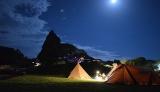 2位「キャメルホテルリゾート」グランピングテント夜の風景 (C)oricon ME inc.