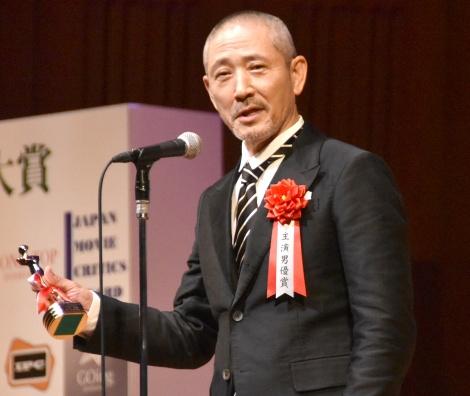 『第26回日本映画批評家大賞』の授賞式に出席した小林薫 (C)ORICON NewS inc.