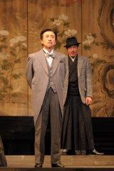 日下武史さん、2009年『鹿鳴館』撮影:上原タカシ