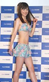さわやかな笑顔でさっそうと登場=旭化成グループ2014年キャンペーンモデルに起用された久慈暁子 (C)ORICON NewS inc.