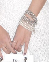 指輪には大きなダイヤが…=ファッションショー『Esprit Dior TOKYO 2015』に出席した中島美嘉 (C)ORICON NewS inc.
