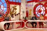 """5月21日放送の関西テレビ『マルコポロリ!』に""""丸腰刑事""""コンビが登場。俳優の原田龍二(左)とR-1王者のアキラ100%がゲスト出演する(C)関西テレビ"""