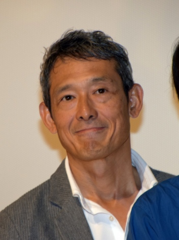 映画『ポエトリーエンジェル』初日舞台あいさつに登壇した鶴見辰吾
