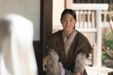 大河ドラマ『おんな城主 直虎』第20回より。亡き直親(三浦春馬)の娘と名乗って井伊谷にやってきた少女・高瀬を演じるのは、国民的美少女コンテストで見出された高橋ひかる(C)NHK