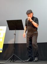 主題歌を歌唱する吉田類=映画『吉田類の「今宵、ほろ酔い酒場で」』の完成披露飲み会イベント (C)ORICON NewS inc.