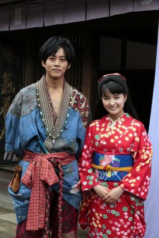 京都市内で取材に応じた連続テレビ小説『わろてんか』の