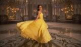 週末興行ランキングで6週連続1位に輝いた映画『美女と野獣』 (C)2017 Disney Enterprises, Inc. All Rights Reserved.
