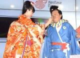 おでん芸を披露した(左から)川口春奈、上島竜兵 (C)ORICON NewS inc.