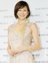 ミキモト銀座4丁目本店オープニングセレモニーに出演した米倉涼子 (C)oricon ME inc.