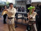 """東京・六本木ヒルズアリーナで開催された""""STAR WARS DAY"""" TOKYOの模様。バルーンアートの実演中 (C)ORICON NewS inc."""