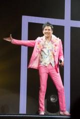 """全国ツアー『Hiromi Go Concert Tour 2017 """"My Dear...""""』をスタートさせた郷ひろみ"""