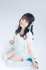 『別冊カドカワDirecT 06』に登場するAKB48向井地美音