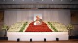 レッドカーペットをイメージして作成された松方弘樹さんの祭壇 (C)ORICON NewS inc.