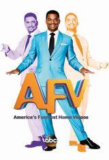 米版『America's Funniest Home Videos』番組新司会者 Ribeiro 氏(C)TBS