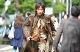 本テレビ系連続ドラマ『フランケンシュタインの恋』第9話より綾野剛(C)日本テレビ