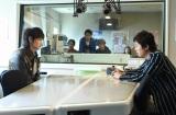 本テレビ系連続ドラマ『フランケンシュタインの恋』第9話より(左から)綾野剛、新井浩文(C)日本テレビ