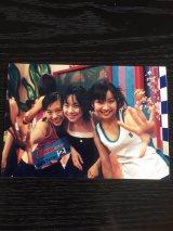 チェキッ娘時代の大瀧彩乃さん(右)、小林裕美さん(左)、大田祐歌さん