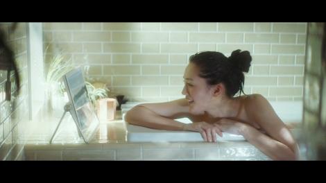 入浴シーンを披露した綾瀬はるか