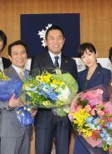 内藤剛志(中央)、斉藤由貴(右)、金田明夫(左)(C)テレビ朝日