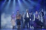 オリジナルミュージカル『オーバーリング・ギフト』ゲネプロに参加した(左から)島ゆいか、溝口琢矢、加藤潤一、猪塚健太、富田健太郎、中村百花