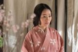 大河ドラマ『おんな城主 直虎』第24回より。新野家の三女・桜(真凛)を今川家重臣の庵原家へ嫁がせよという命が下る(C)NHK