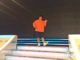 6月16日放送、テレビ朝日系『ミュージックステーション』リハーサルに臨む岡崎体育(C)テレビ朝日