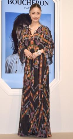 高級ジュエラー『ブシュロン』セルパンボエムの新作コレクションの記者発表会に参加した上戸彩 (C)ORICON NewS inc.