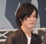 デビューシングル「LEAN ON ME」の発売記念イベントを開催した9人組バンド・BuZZのTOME (C)ORICON NewS inc.