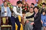 日本テレビ系人気番組『行列のできる法律相談所』に出演する横山だいすけに司会の後藤輝基も大興奮 (C)日本テレビ