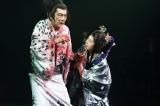 舞台『NINAGAWA・マクベス』香港公演に出演した(左から)市村正親、田中裕子(撮影:Piet Defossez)