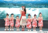 屋比久知奈、夏は海で歌いたくなる
