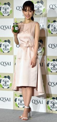 """ワンピで""""なりたい身体""""を披露した泉里香=『Q'SAI Kale Cafe表参道』オープニングイベント(C)ORICON NewS inc."""