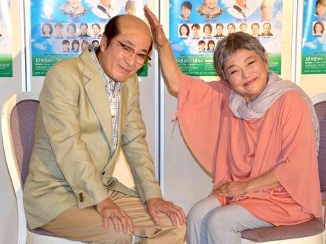 舞台『ペコロスの母に会いに行く』の制作発表会見に参加した(左から)田村亮、藤田弓子 (C)ORICON NewS inc.