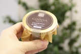 ローソン×ゴディバのコラボスイーツ第2弾『Uchi Cafe SWEETS×GOVIVA ショコラプリン』(税込価格:320円) (C)oricon ME inc.