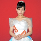 日本テレビ系連続ドラマ『過保護のカホコ』の特殊ドレスを身にまとった高畑充希 (C)ORICON NewS inc.