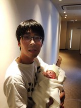 第1子女児が誕生したパラシュート部隊の矢野ぺぺ