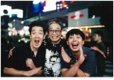 立川談志さんとテツandトモの3ショット Photo by ムト—清次