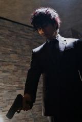 テレビ東京系で放送中のドラマ『コードネームミラージュ』第3話より。ミラージュを演じる桐山漣(C)2017広井王子/「コードネームミラージュ」製作委員会