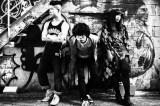 元WHITE ASHのび太(中央)&彩(右)が新バンド「THE LITTLE BLACK」結成