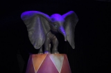 実写版『Dunbo』(ティム・バートン監督)の撮影に使われている赤ちゃんゾウのフィギュア(C)Disney. All rights reserved.
