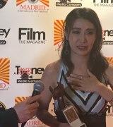 『マドリード国際映画祭』で最優秀外国映画主演女優賞を受賞した鈴木紗理奈