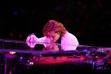 ドラムを封印しピアノで魅了したYOSHIKI