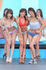 フラッシュモブのダンスを披露した(左から)レイニー、熊江琉唯、鈴菜 (C)ORICON NewS inc.
