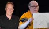 脚本家のジャレッド・ブッシュ氏と手描きアニメーション スーパーバイザーのエリック・ゴールドバーグ氏(右)