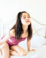 写真集『ガールフレンド』のカットを公開した新木優子 (C)SDP