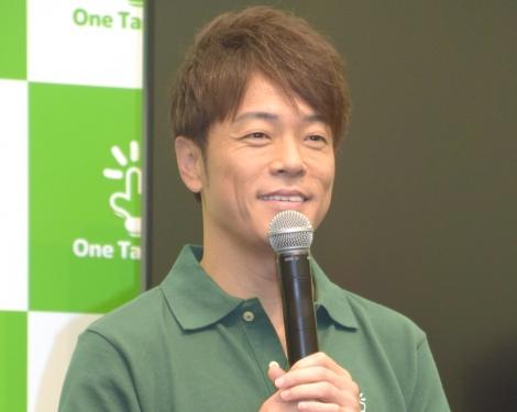 証券取引アプリ『One Tap BUY』の日本株取引サービス開始記者発表会に出席した陣内智則 (C)ORICON NewS inc.