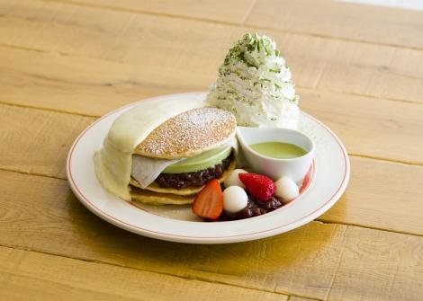サムネイル 『涼味広がる、宇治抹茶アイスパンケーキ』(税抜価格:1500円)