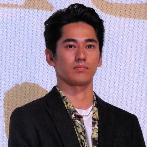 『海辺の生と死』初日舞台あいさつに登壇した永山絢斗 (C)ORICON NewS inc.