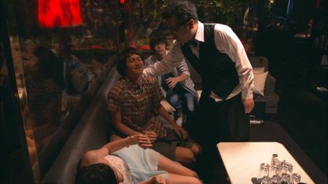 関西テレビ・フジテレビ系ドラマ『僕たちがやりました』第3話(8月1日放送)にとろサーモン・久保田和靖が出演 (C)関西テレビ