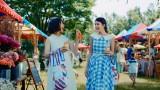 「オランジーナ先生」シリーズ最新作「おそろ」篇ニ出演している(左から)木村文乃、Salome DE MAAT(サロメ デ マート)